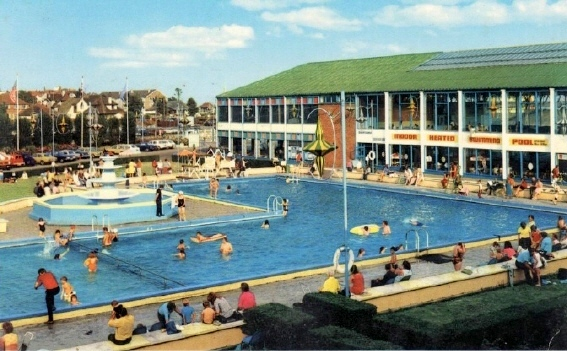 BUTLINS CLACTON outdoor pool