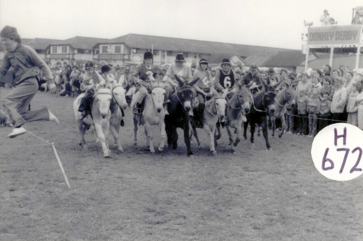 BUTLINS SKEGNESS 1980 DONKEY DERBY 1