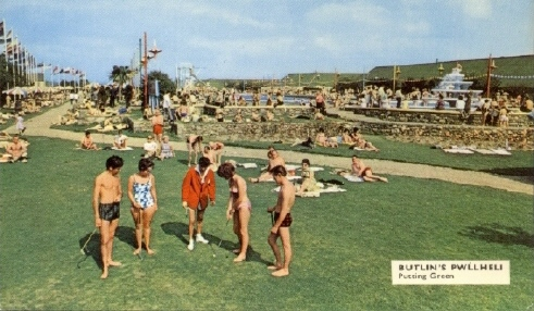 BUTLINS PWLLHELI LAWNS POSTCARD