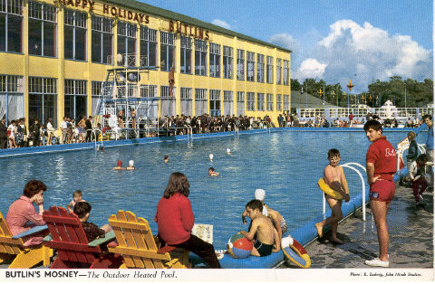 BUTLINS MOSNEY OUTDOOR POOL