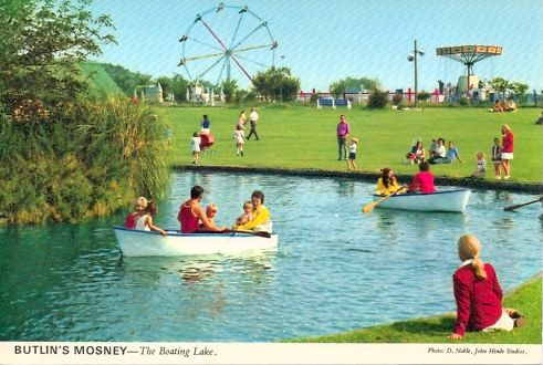 BUTLINS MOSNEY BOATING LAKE